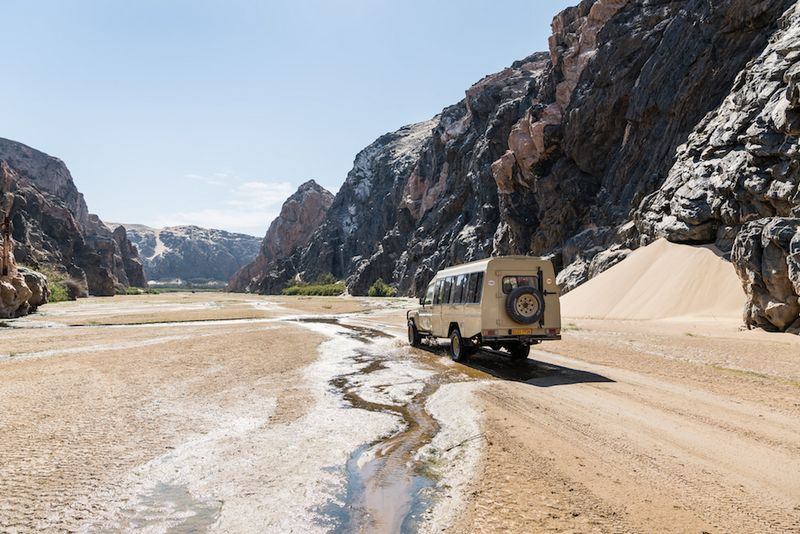 hk_c_36Shipwreck Lodge - Activities - Driving through the riverbed_800px.jpg