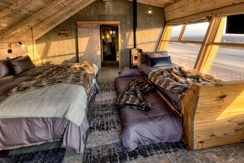 hk_c_16Shipwreck Lodge - Accommodation - Family room set up_800px.jpg