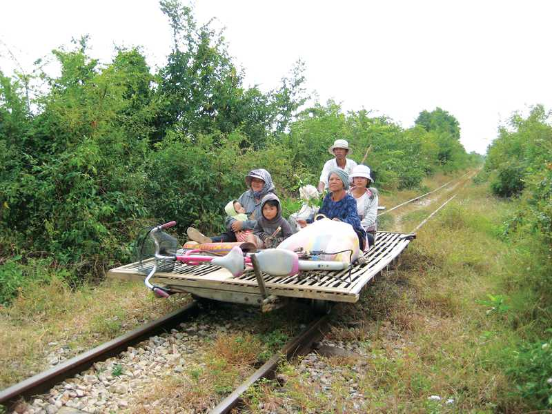 hk_c_Paul Arps@flickr_Bamboo train Battambang.jpg