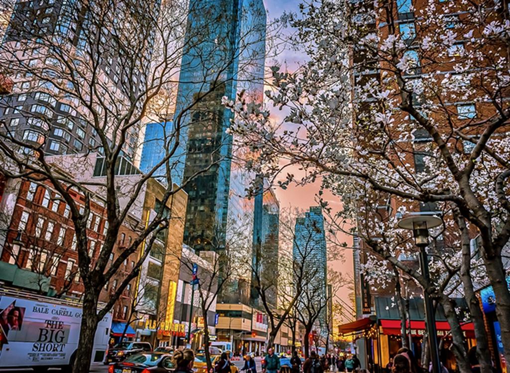 hk_c_曼哈頓早霞 早春的美國紐約曼哈頓街頭身浴早霞 溪邊.jpg
