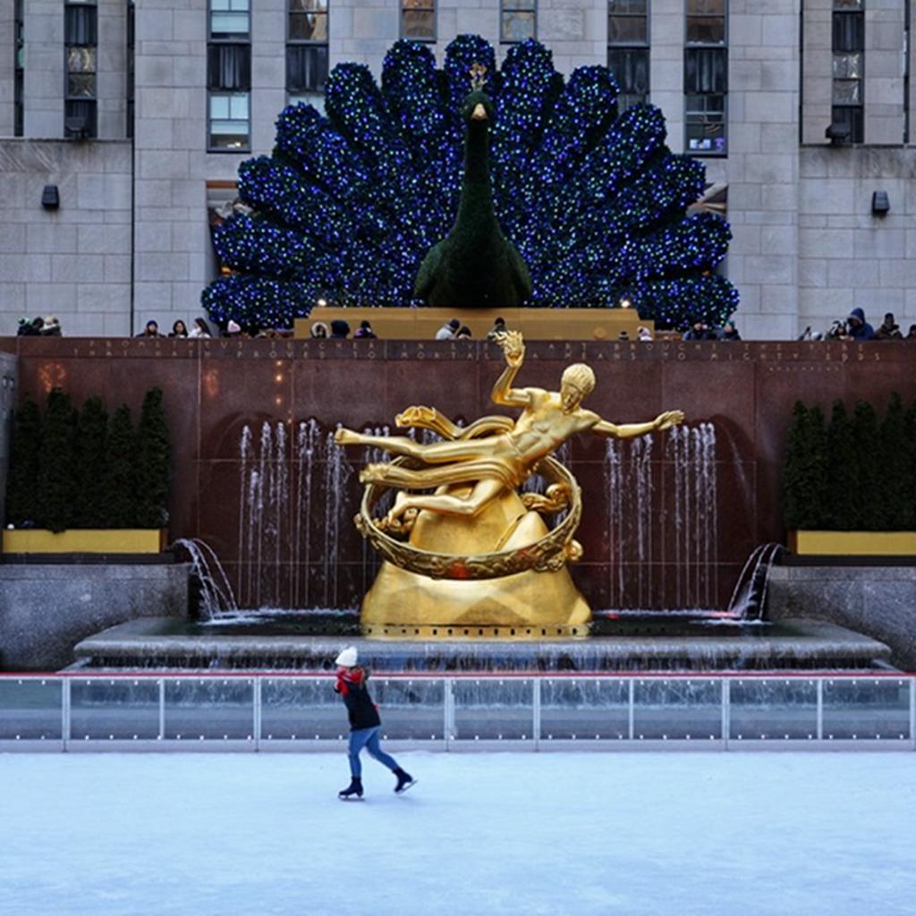 hk_c_滑冰的女孩 2020年1月拍攝於美國紐約洛克菲勒中心。 隨玉而安張玉安.jpg