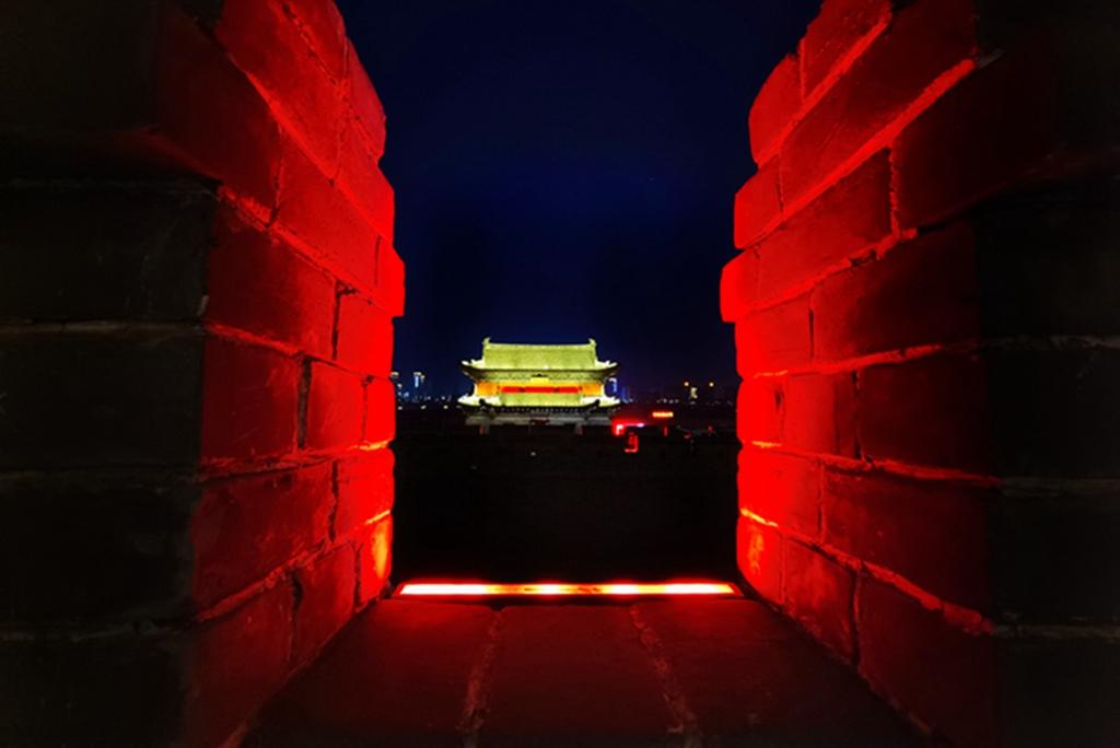hk_c_大同古城牆夜色 馬克.jpg